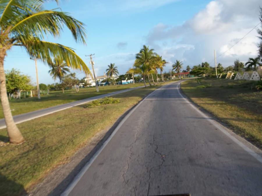 Carretera principal de Playa Santa Lucía