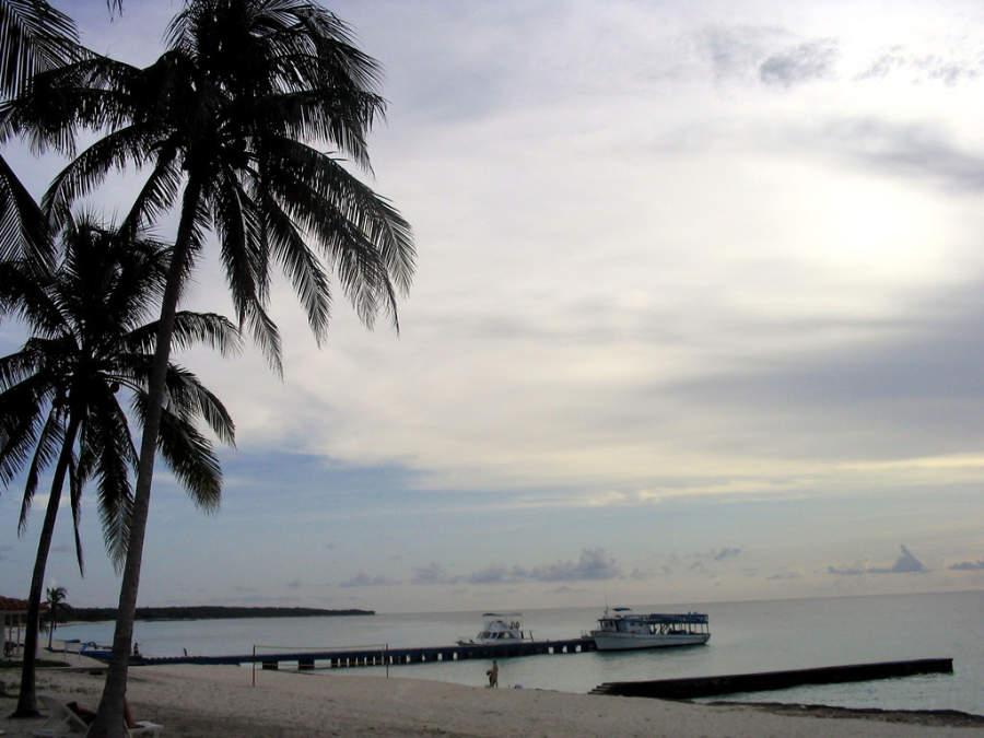 Botes en el muelle de la península de Guanahacabibes