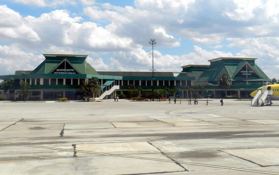 Aeropuerto Internacional Frank País en Holguín