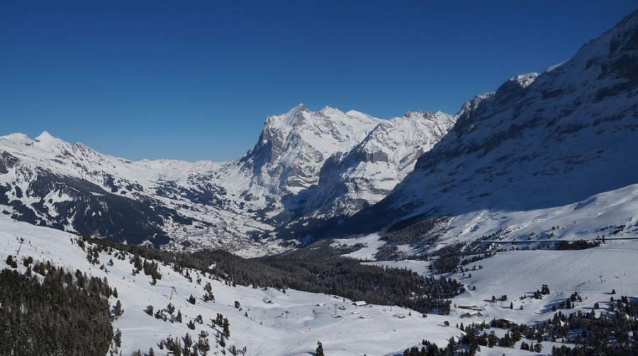 Vista del valle de Grindelwald  en invierno