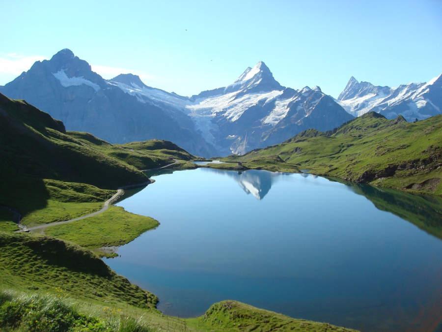 Al lago Bachalpsee se puede llegar en teleférico desde Grindelwald