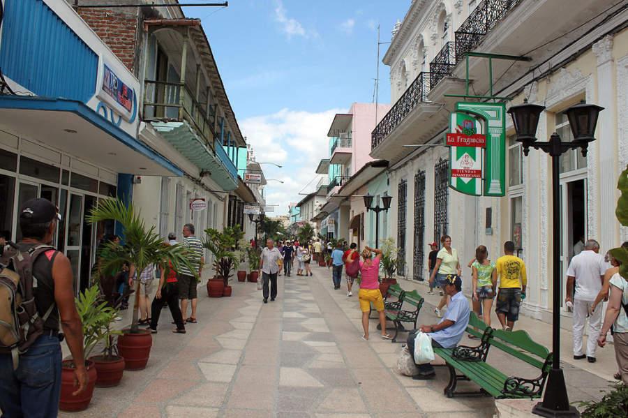 Calle peatonal en Sancti Spíritus