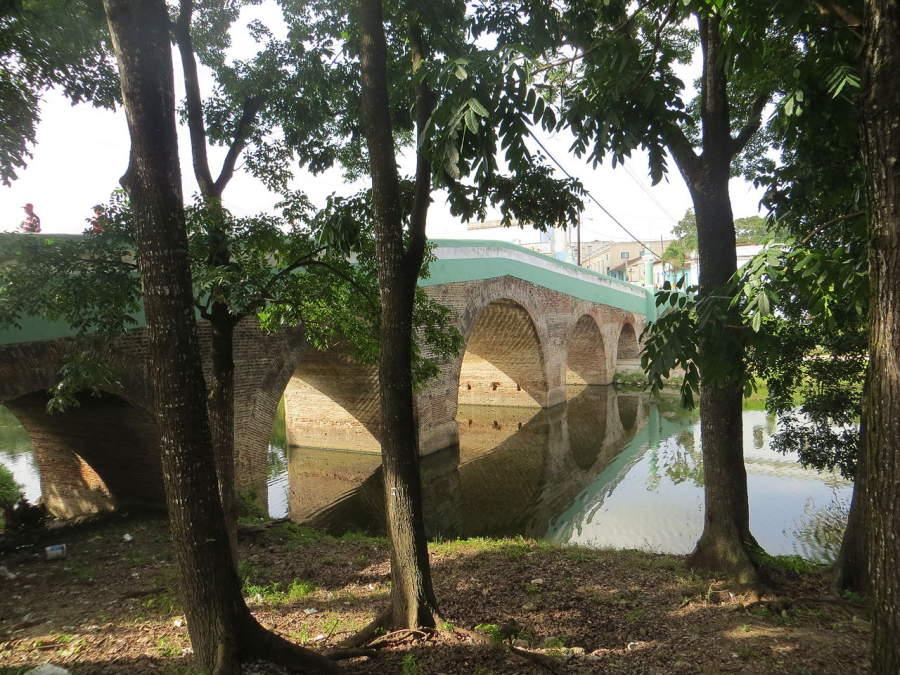 El  puente Yayabo es un monumento nacional y símbolo de la ciudad
