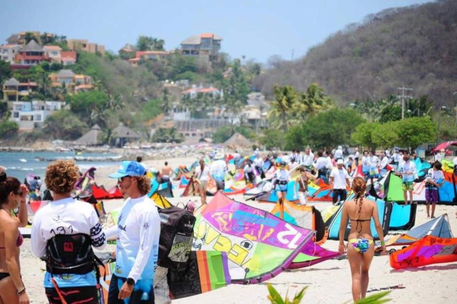 Las playas de Nuevo Vallarta son visitadas para la práctica de deportes acuáticos