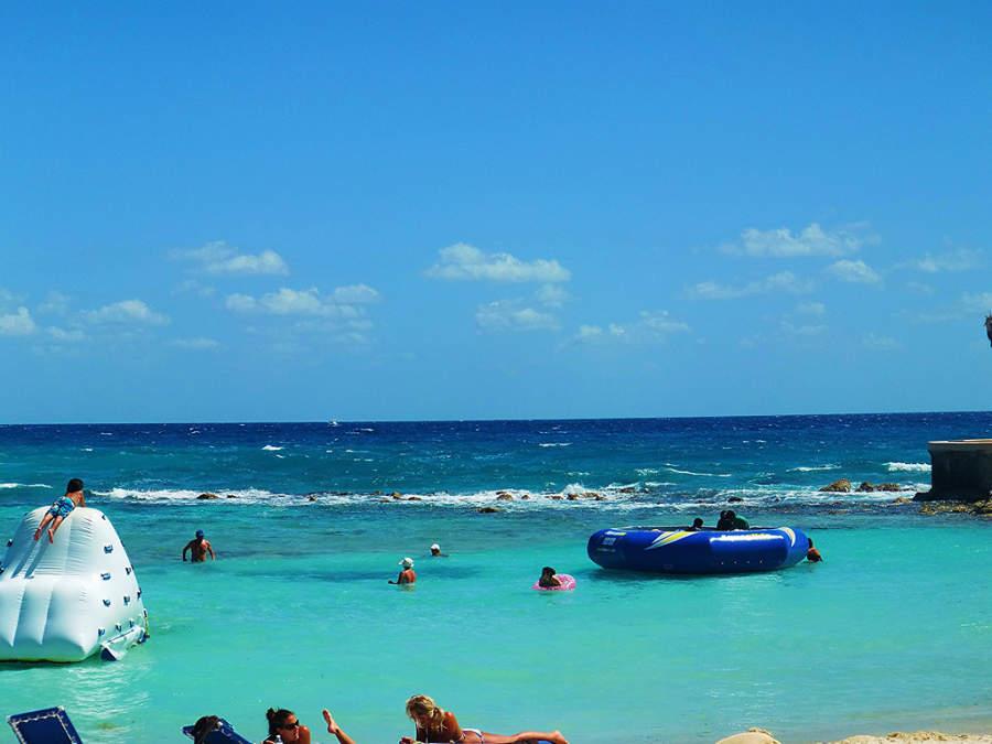 Playa en Puerto Aventuras