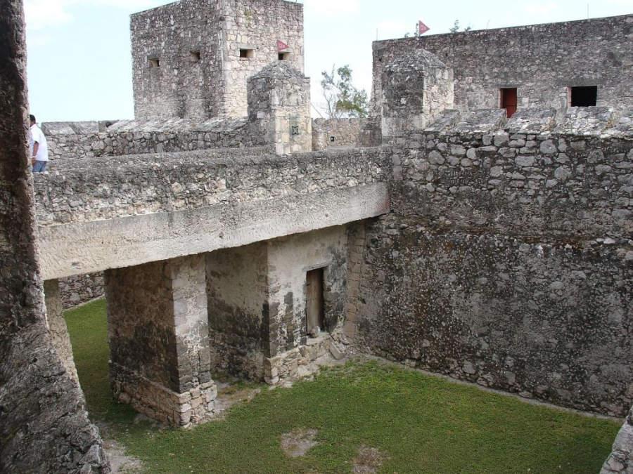 Visita el Fuerte de San Felipe en Bacalar, construido en 1729