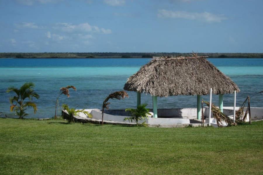 Se dice que es posible distinguir hasta siete tonalidades de azul en la laguna de Bacalar