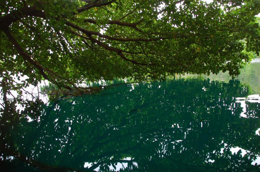 El cenote Azul es el más profundo de la Riviera Maya
