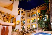 Acanto Hotel & Condominiums